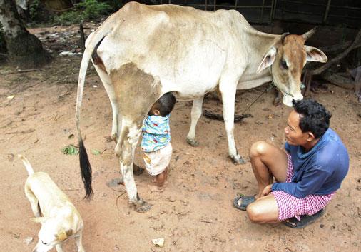 Женщина кормит своим молоком видео фото 188-303