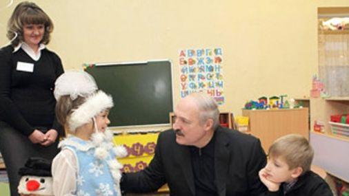 Слух в Белоруссии: девочка из детдома