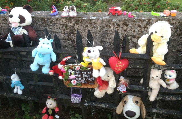 На месте детского барака  мемориала
