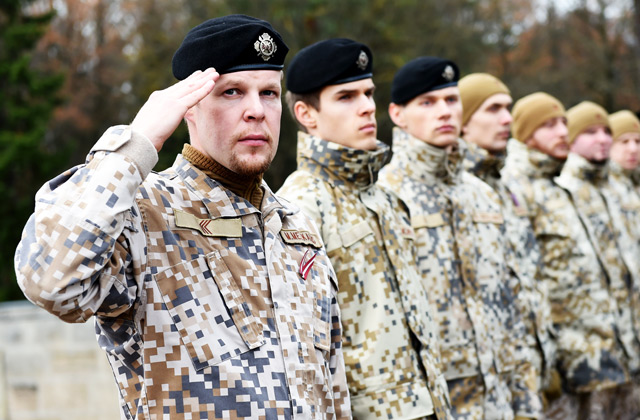 Военные и земессарги тоже участвуют в Днях карьеры