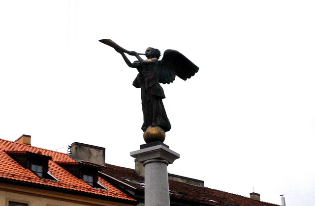 Ангел над главной площадью Ужуписа