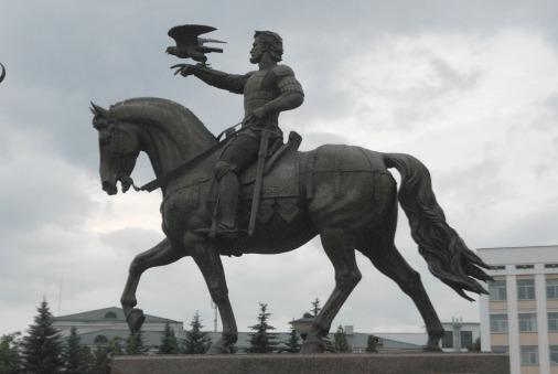 Паятник литовскому князю Альгерду открыт в Витебске в 2014 году