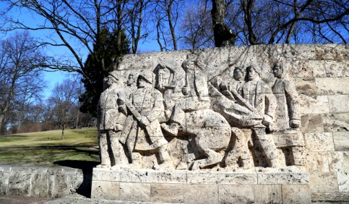 Гризинькалнс, памятник 1905 году