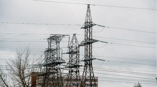 Доступность коммуникаций для инвестора - плюс, цена электроэнергии - минус