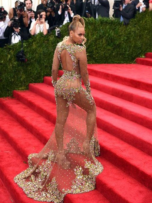 Бейонсе в прозрачном платье