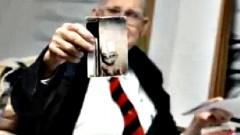 Ученый перед смертью показал совместное фото с инопланетянами