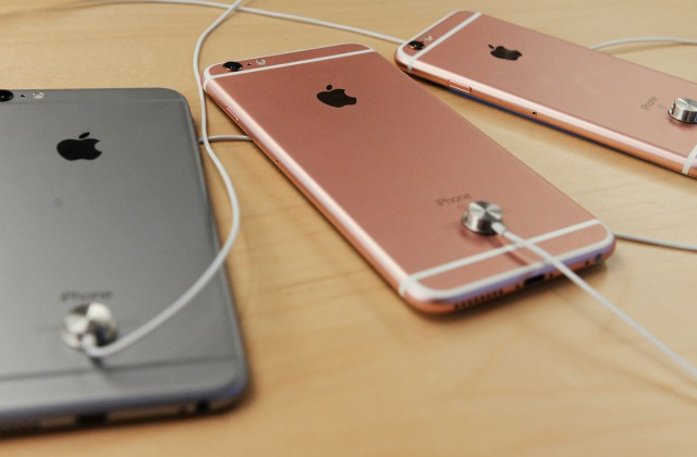 iPhone 6 Plus загорелся прямо на кровати
