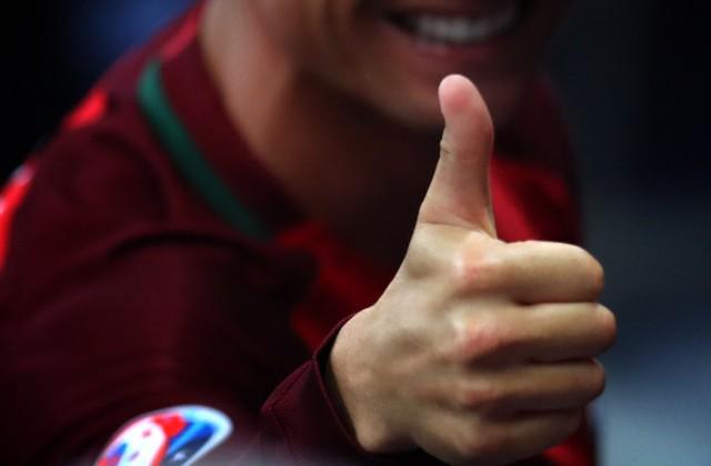 Учены: Дети, которые сосут пальцы икусают ногти, менее страдают оталлергии