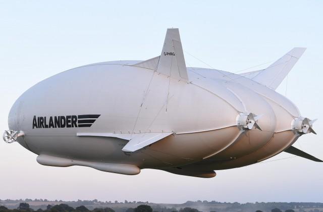 Самый большой летательный аппарат Airlander 10 потерпел крушение