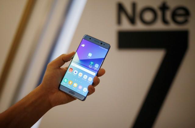 Самсунг отзовет Galaxy Note 7: гаджет воспламеняется при зарядке