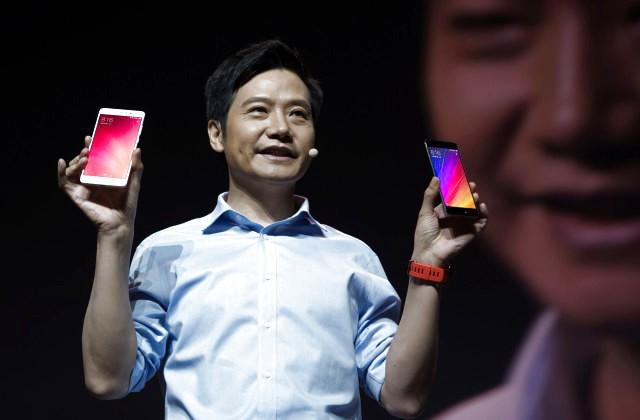 В2016г. Самсунг выпустит смартфон сбезрамочным экраном