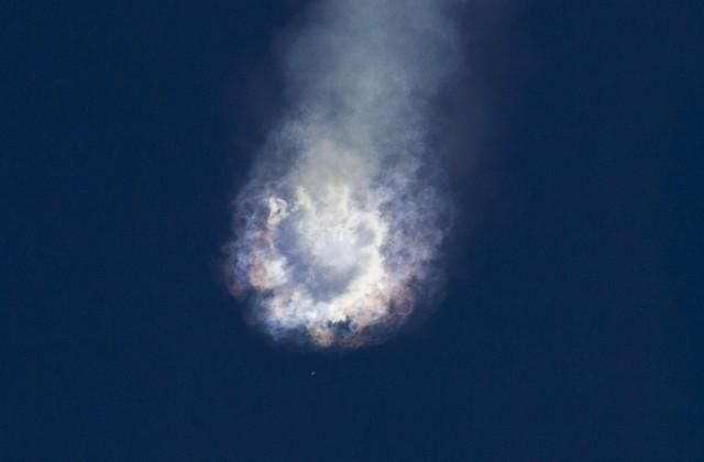 Ярко-зеленый метеорит, ксередине осени пролетевший над Байкалом, на100% сгорел ватмосфере— ученые