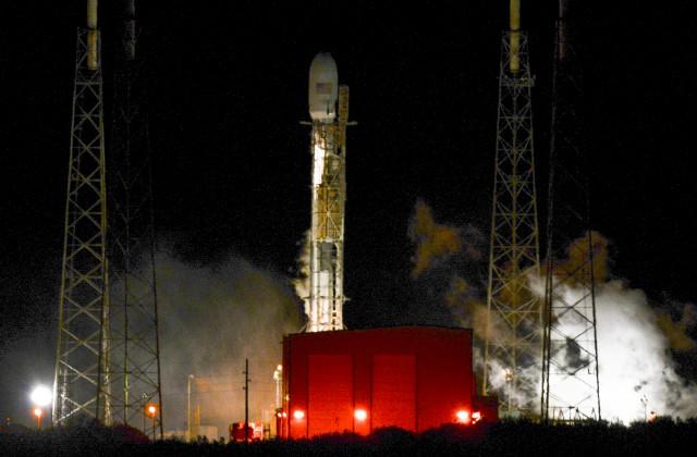 SpaceX хочет отправить два корабля Red Dragon кМарсу