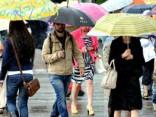 Синоптики: дожди пока не отступят