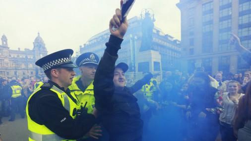 В Глазго начались стычки сторонников и противников независимости Шотландии