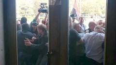 Майдановцы избили депутата Верховной Рады