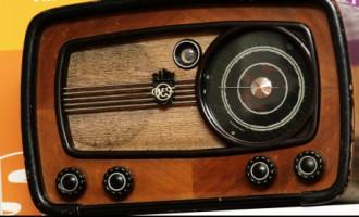 Парламент «настроил» радио на латышский