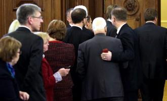 Юрист: решение ВС в деле о скупке голосов бросает тень на Сейм