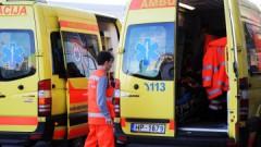 Легковой автомобиль сбил двух пешеходов, один из которых умер на месте происшествия