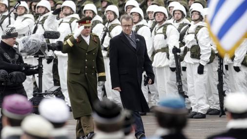 Исследование: cтраны НАТО сокращают оборонный бюджет