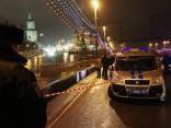 Прохожий пытался спасти Немцова