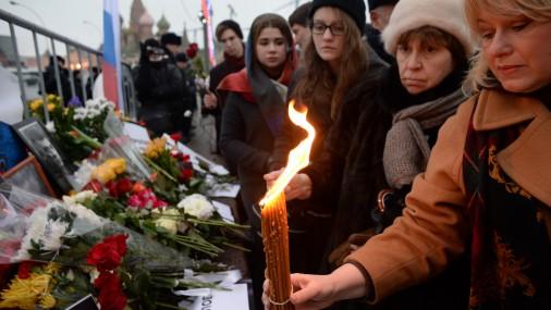 Шествие в память о погибшем Немцове в Москве завершилось