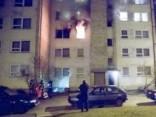 Пожар в Елгаве: женщина выпрыгнула с 3 этажа