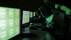 США готовы заплатить 3 млн долларов за информацию о двух русских хакерах