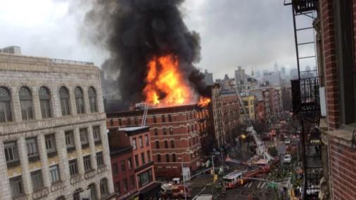 В центре Нью-Йорка прогремел взрыв, есть раненые