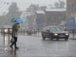 Во вторник по всей стране - ливни, в Латгалию придет лето