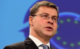 Домбровскис: пока не идет речи о том, что Латвия должна «затянуть пояс»