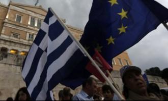 Еврогруппа решила ждать итогов референдума в Греции