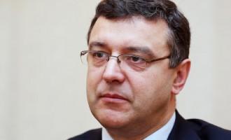 Рейрс: пришла пора перестать нянчиться с Грецией