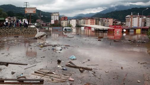 Наводнение вГрузии: Ливни затопили города черноморского побережья