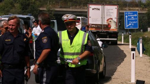 Вполиции Австрии прокомментировали инцидент с50 трупами вгрузовике