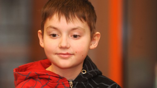 Как дела у вылеченного на деньги латвийцев мальчика Дависа?