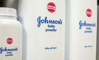 В США Johnson&Johnson обязали выплатить 55 млн заболевшей раком женщине