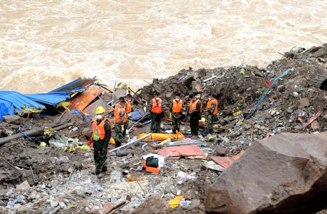 Навостоке Китая 35 строителей оказались под земляными завалами