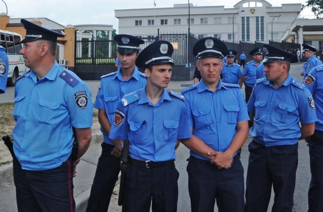 ВОдессе изавтоматов расстреляли «Лексус», умер защитник прав человека — милиция