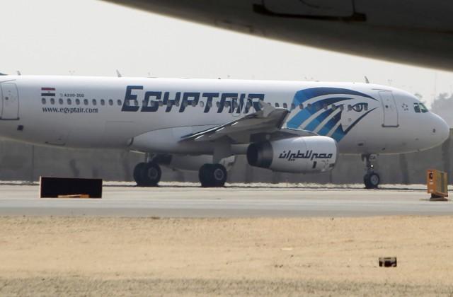 EgyptAir подтвердила обнаружение фрагментов пропавшего самолета