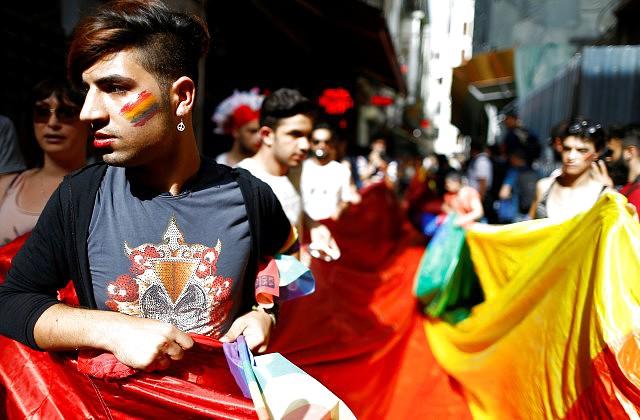 ВСтамбуле запретили проведение ежегодного гей-парада