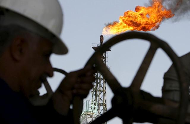 Нефть подорожала к концу недели, но сократила процентный рост с начала года