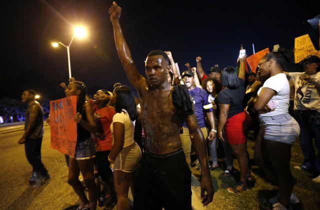 Всвязи субийством афроамериканца вМиннесоте задержаны 100 протестующих
