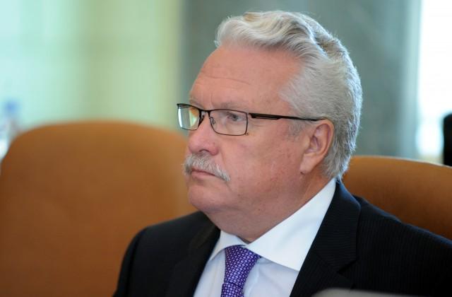 ЕСсогласился дать 13,3 млн  евро бедствующим литовским молочникам