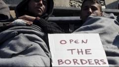 Пограничники: беженцы уже не просят о помощи, а ее требуют