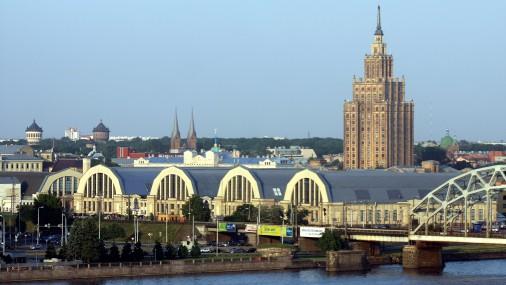 Российские СМИ сообщили о взрыве на Центральном рынке в Риге