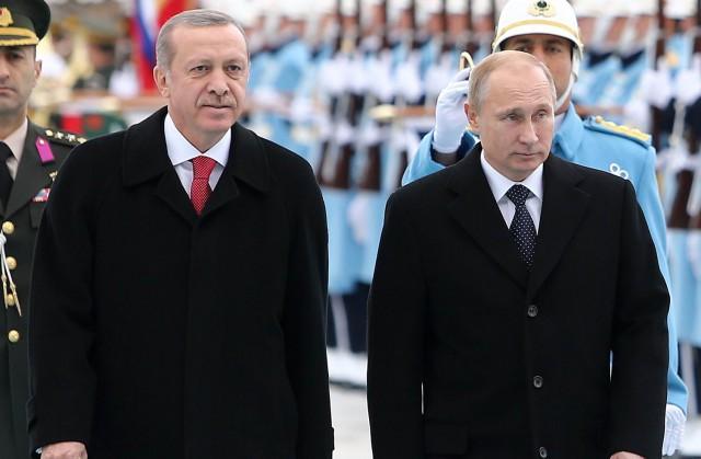 Штайнмайер несчитает сближение РФ иТурции угрозой для НАТО