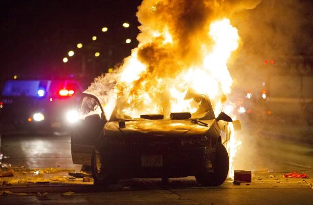ВМилуоки убийство полицейским афроамериканца вызвало массовые беспорядки