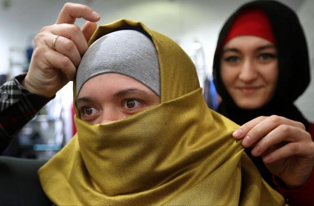 Суд поддержал запрет накупальные хиджабы воФранции