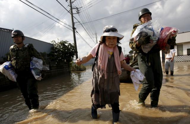 Из-за тайфуна вЯпонии были отменены свыше 400 рейсов